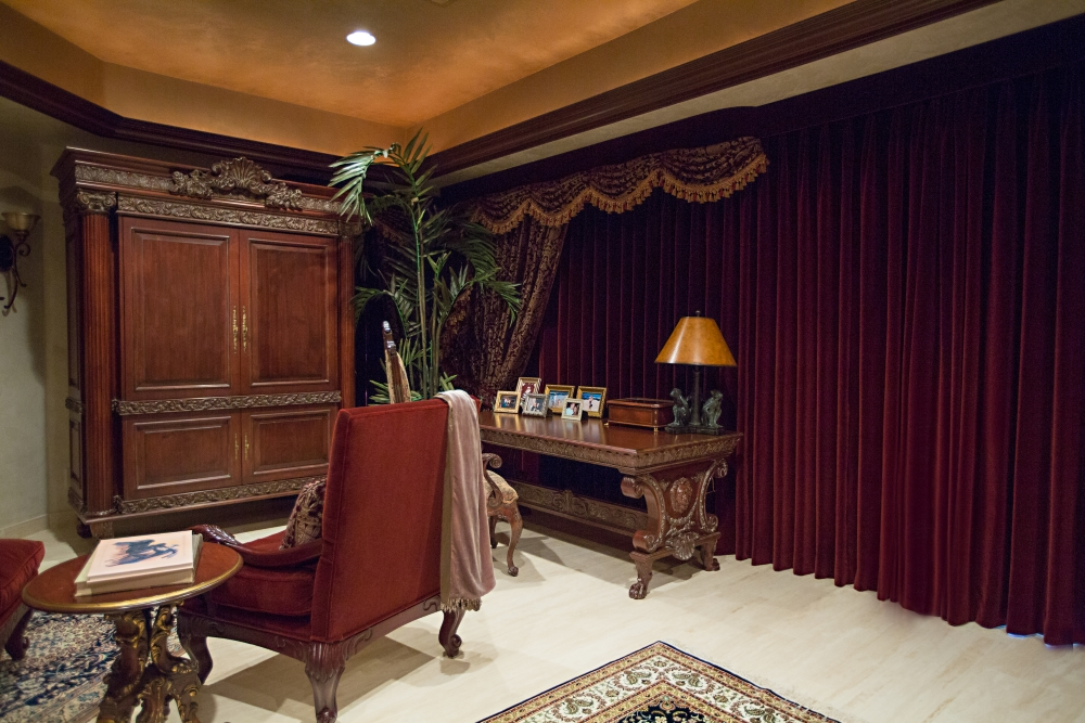Elegant Traditional Las Vegas Interior Design 105